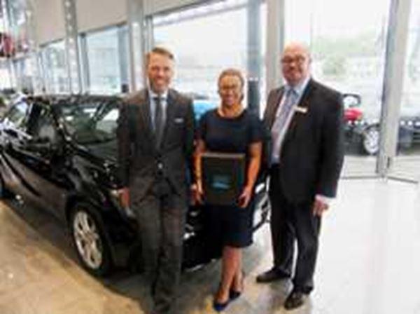 Mercedes-Benz of Belfast celebrates award win for excellent customer service