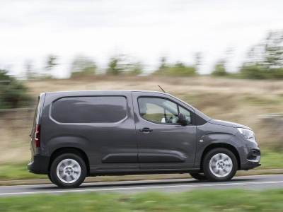 Vauxhall Combo Cargo Voted Best Small Van at Parkers Awards