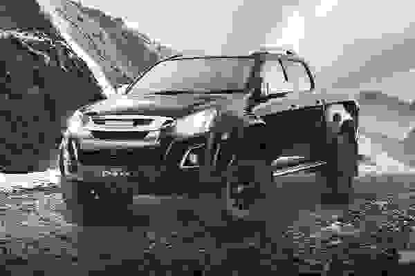 https://cogcms-images.azureedge.net/media/20430/d-max-arctic-trucks-thumb.jpg
