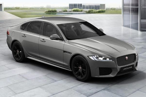 XF Saloon Chequered Flag