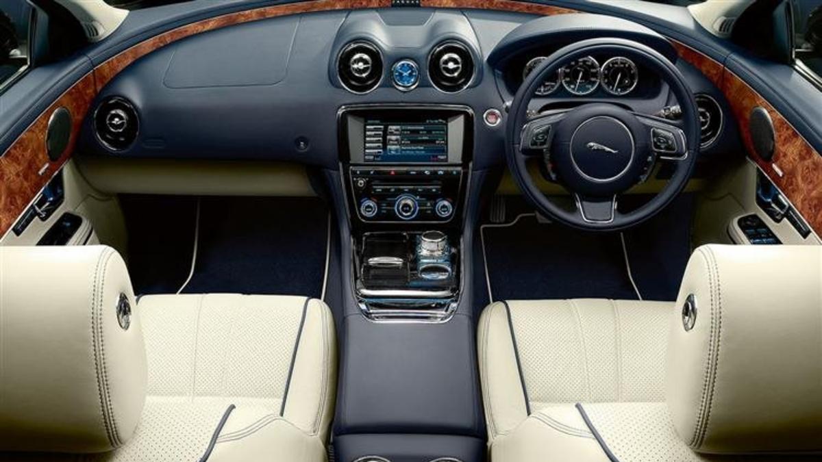 Jaguar XJ Standard Wheelbase Premium Luxury | Duckworth Jaguar