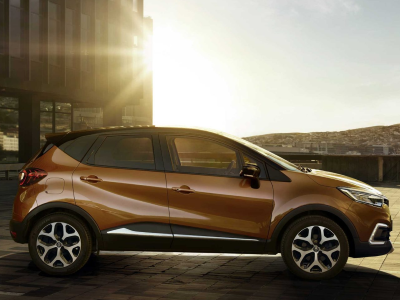 Renault Captur 1.0 TCE 100 Play 5Dr - 0% APR and only £250 Deposit!