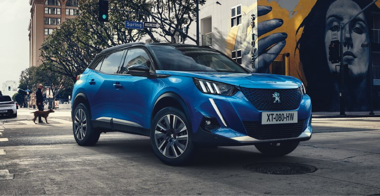 All-New Peugeot 2008 Allure 1.2L Pure tech 100 S&S Business Offer
