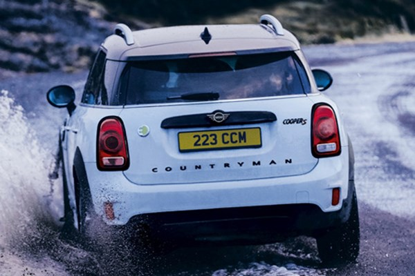 Keep a Grip on Safety this Winter with MINI Winter Wheels and Tyres