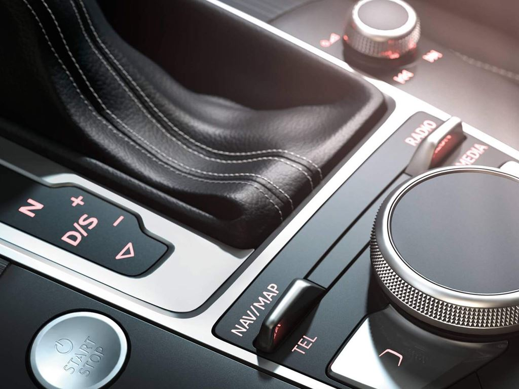 A3 Cabriolet infotainment control