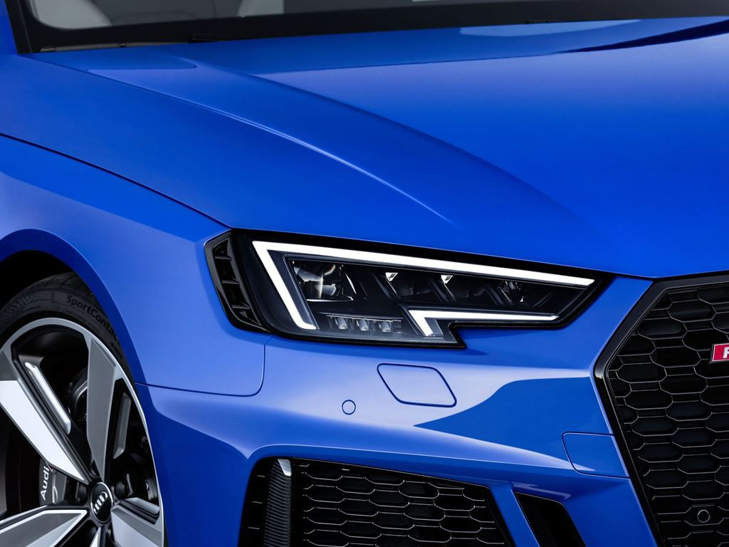 Blue RS4 Avant Bonnet