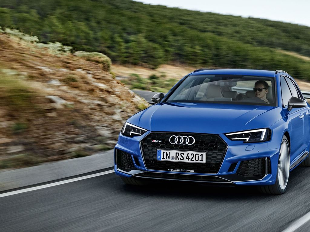 Blue RS4 Avant Driving