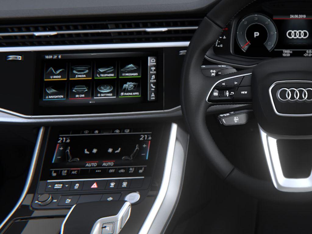 Q7 Steering Wheel and Dashboard