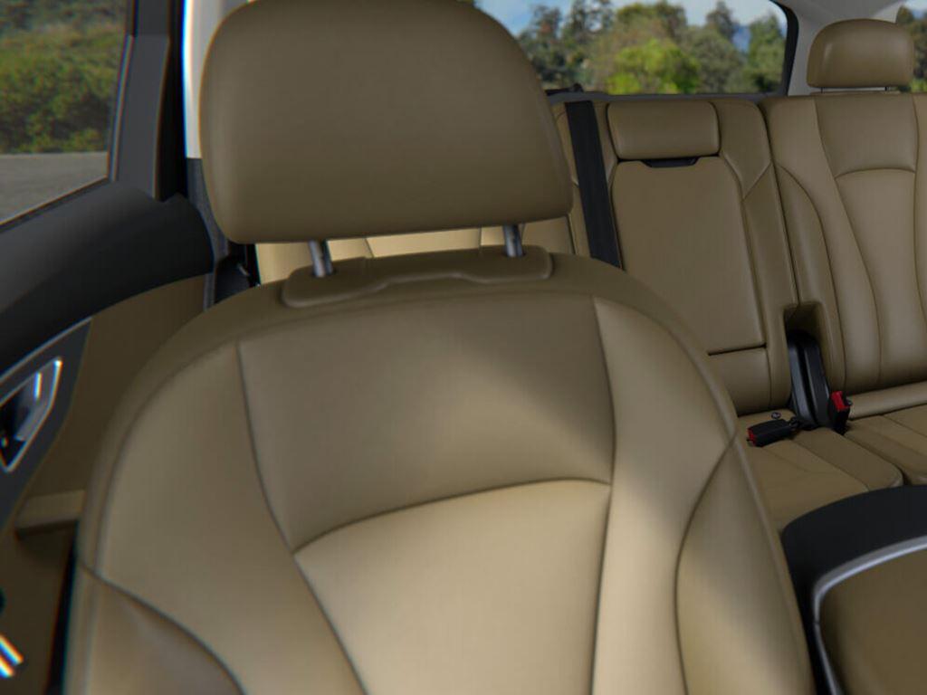 Q7 TFSI e interior seats