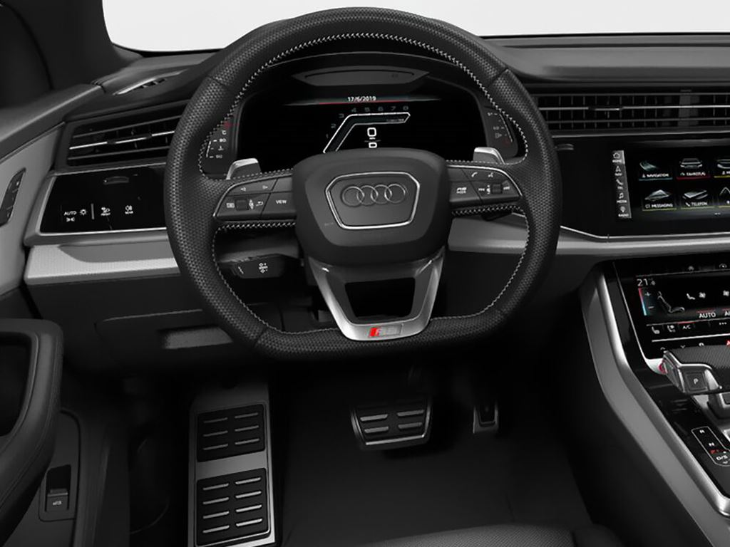 RS Q8 front steering wheel and dashboard