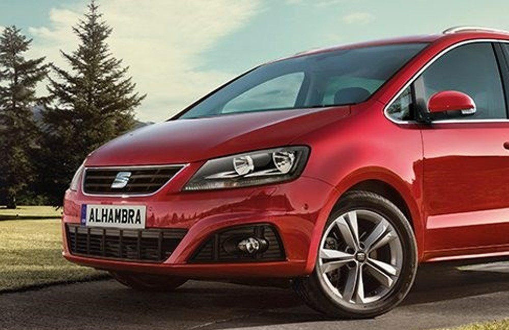 Front view of red SEAT Alhambra