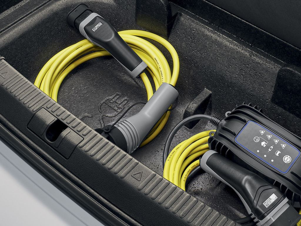 Superb iV Hatch Charging Cables