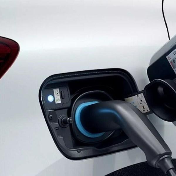 All-New CAPTUR E-TECH Plug-in Hybrid