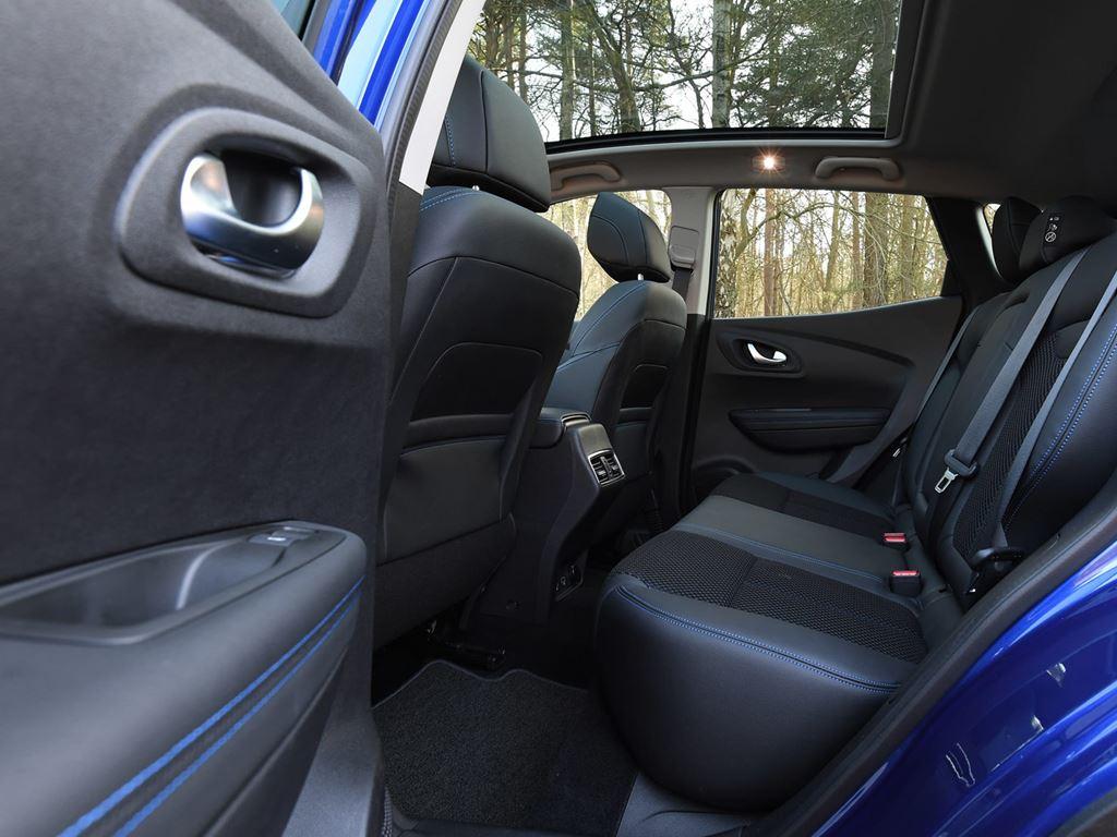 kajar back seats - Startin Renault Worcester