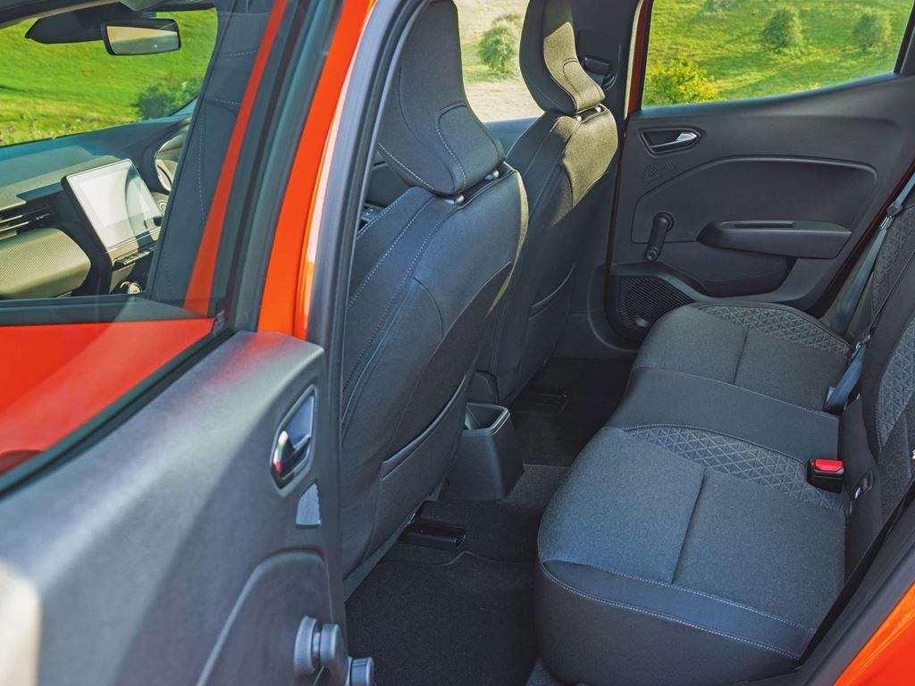 Startin Renault Worcester - back seats interior