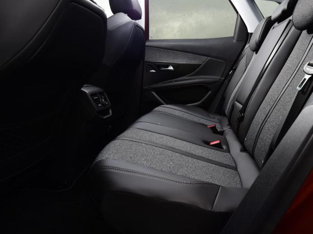 Startin Peugeot Worcester Redditch - 3008 gt line interior
