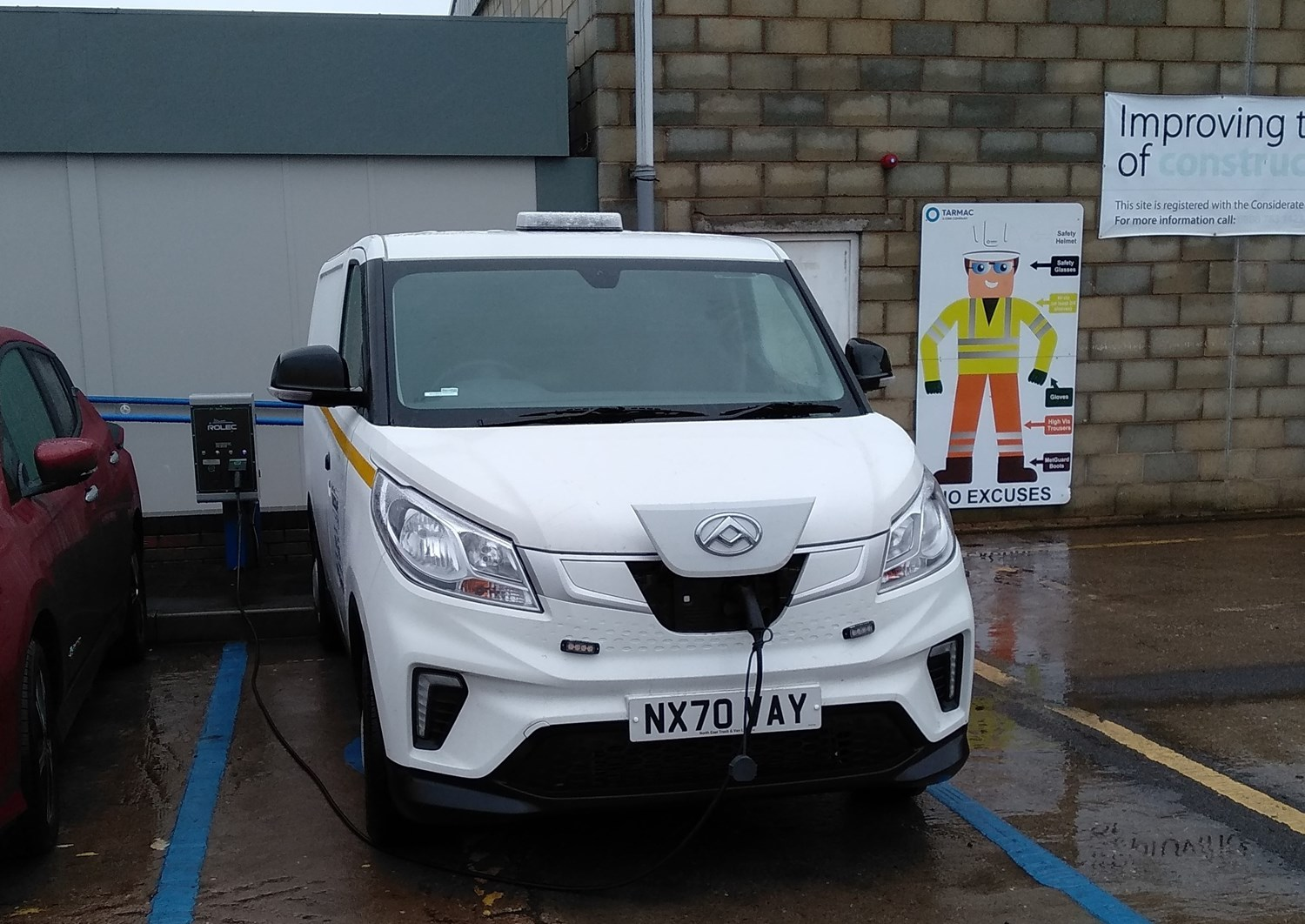 Maxus e Deliver 3 charging