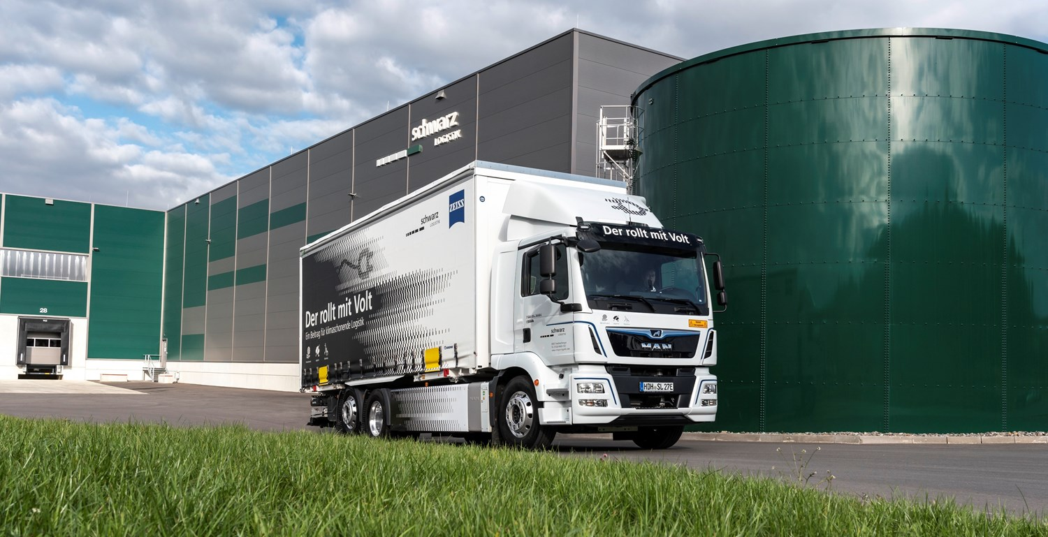 MAN Truck & Bus recently handed over a fully electric MAN eTGM to Schwarz Logistik GmbH