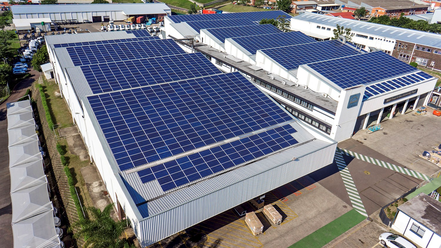 The plant in Pinetown / South Africa is the first CO2-neutral truck plant of MAN Truck & Bus