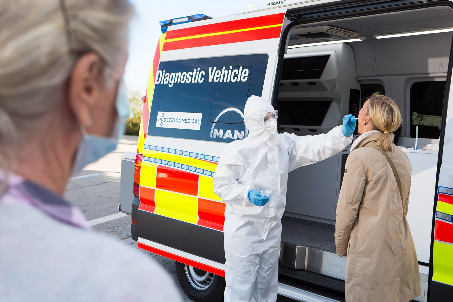 The innovative MAN Coronavirus diagnostic vehicle will make an important contribution to containing the Covid 19 pandemic by providing rapid on-site PCR test results.
