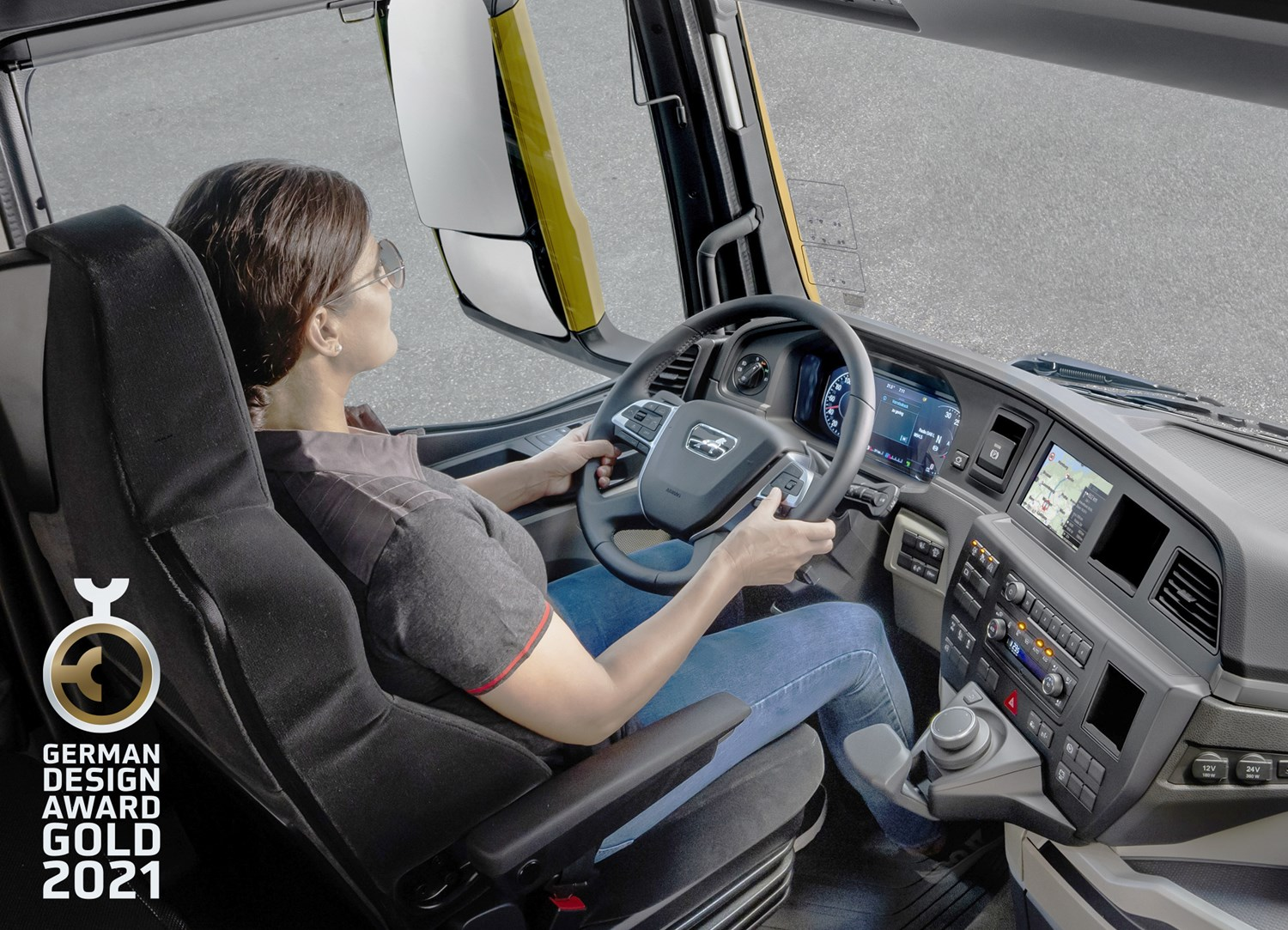 """""""Gold"""" for the new MAN Truck Generation: driver's workplace awarded with the highest prize category in the renowned German Design Award."""