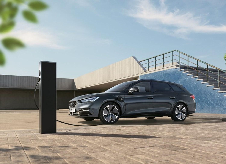 SEAT Leon Hybrid PHEV charging